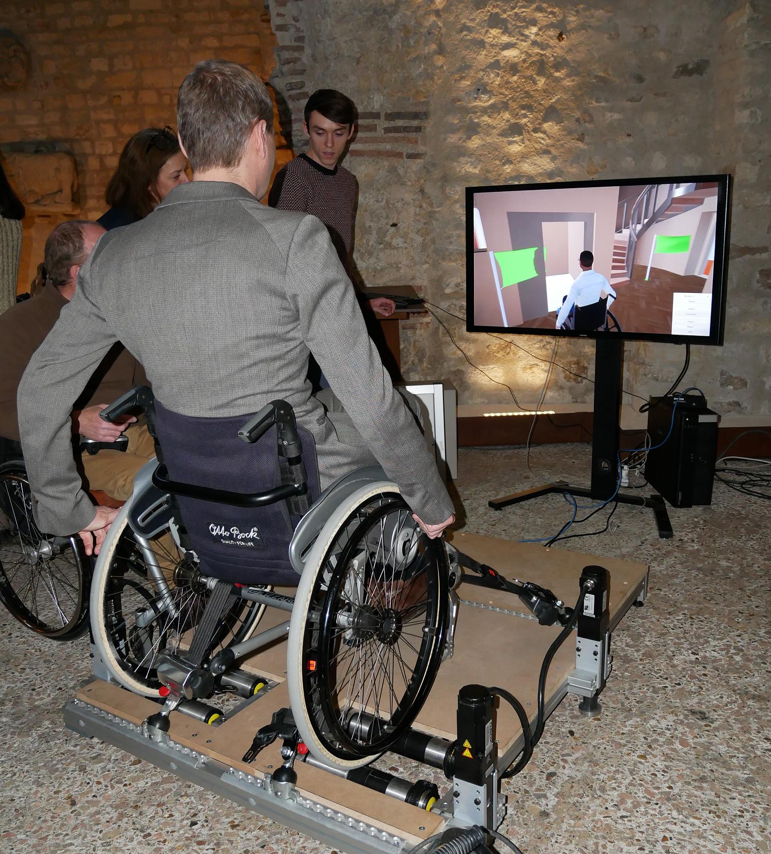 Le simulateur Virtual Fauteuil permet à une personne à mobilité réduite de se déplacer virtuellement dans le Musée de Cluny pour en valider l'accessibilité.