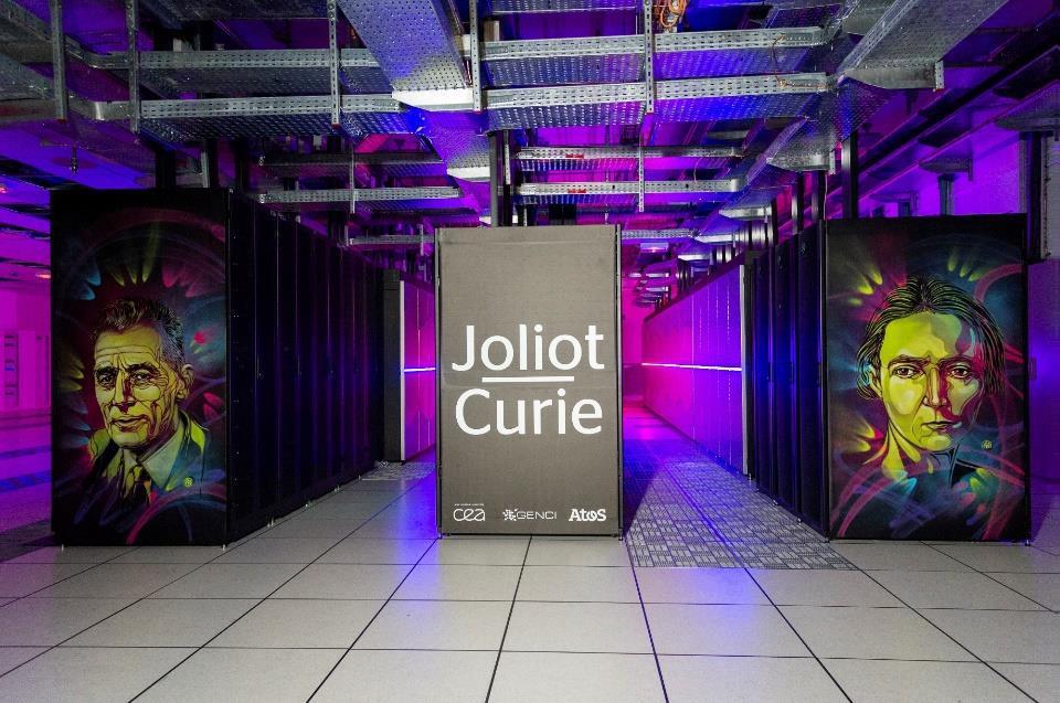 La machine Joliot-Curie dont la puissance va prochainement passer de 9,4 à 22 PFlop/s, ce qui en fera la 3e supercalculateur français.